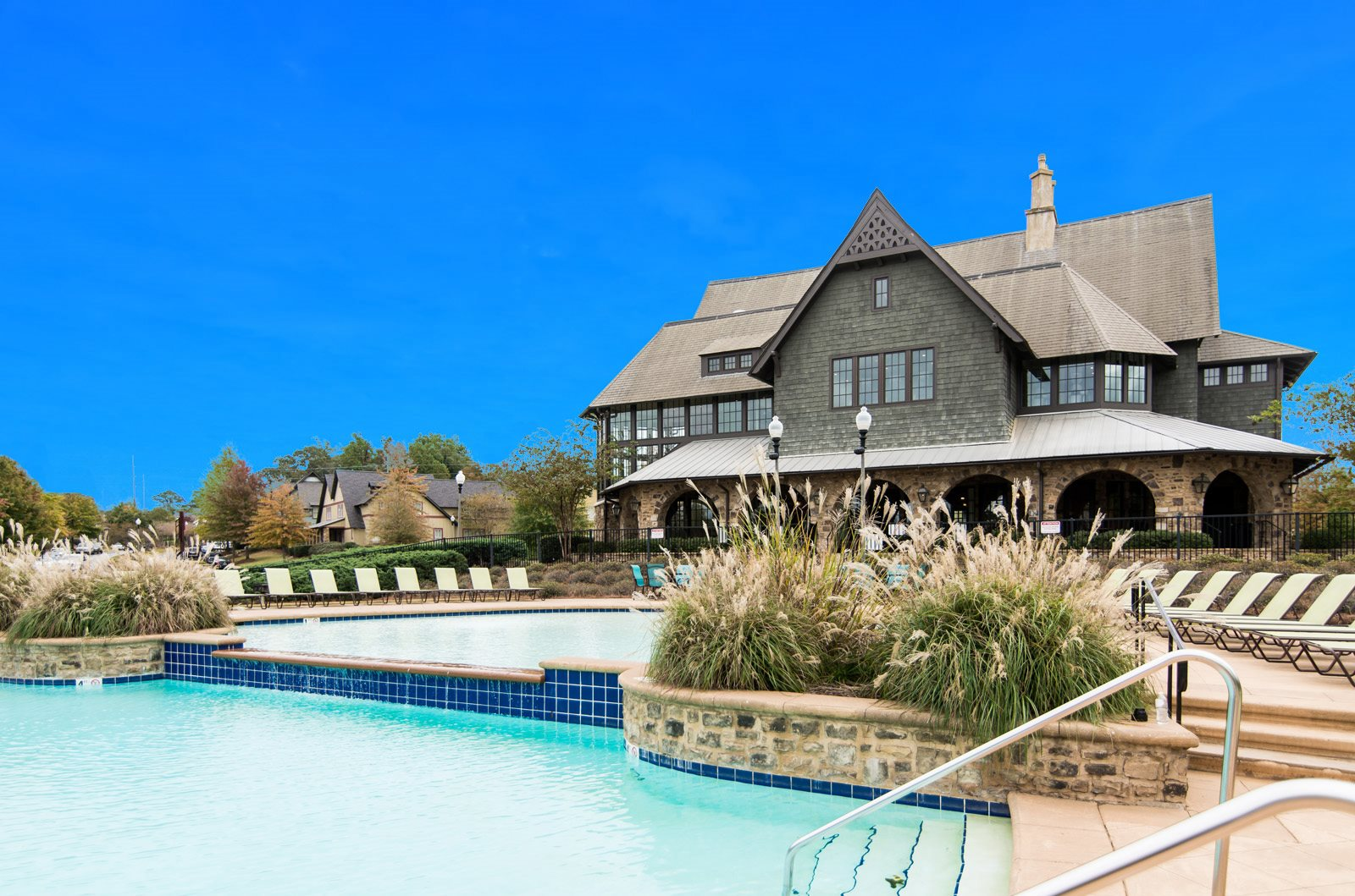 Creekside Clubhouse Pool